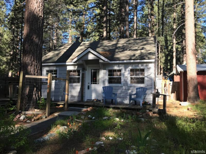 New  2 Bedroom Listing in South Lake Tahoe!