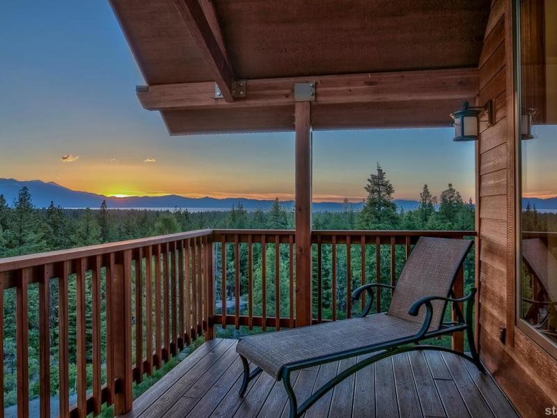 New  4 Bedroom Listing in South Lake Tahoe!