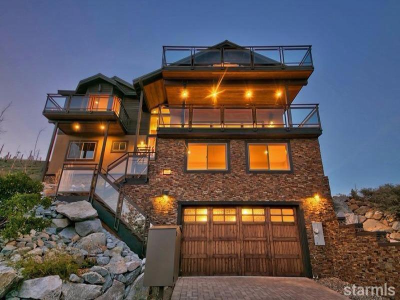 New  4 Bedroom Listing in South Lake Tahoe!
