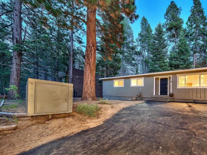 New 3 Beds 2 Baths Single Family Listing in South Lake Tahoe!