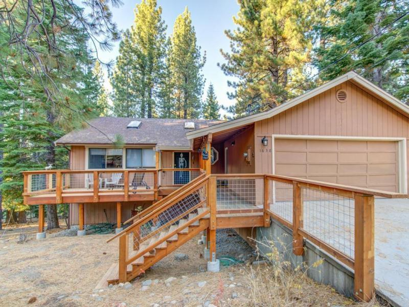 Sold 3 Beds 2.5 Baths Single Family in South Lake Tahoe!
