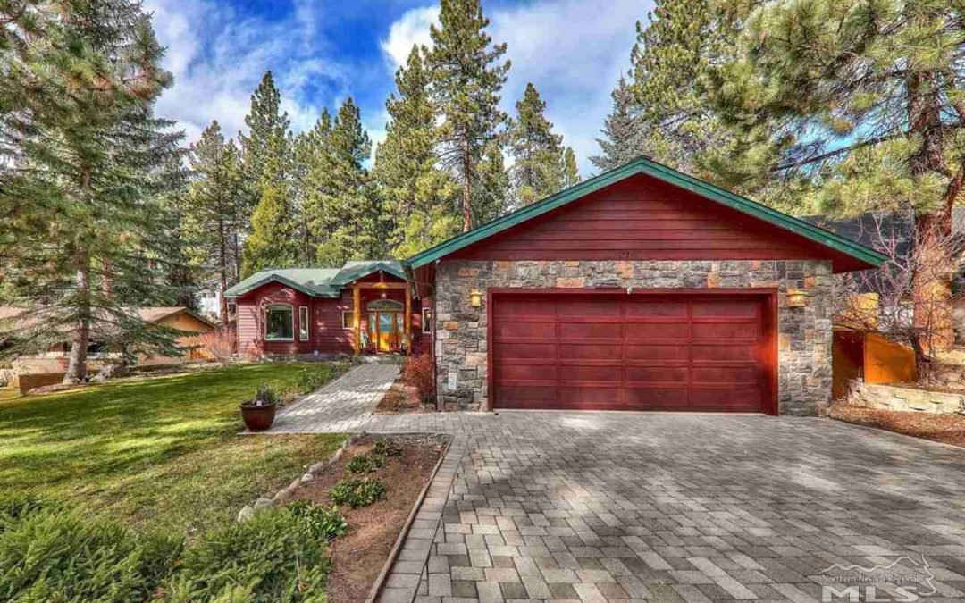 New 3 Beds 2.5 Baths Single Family Listing in Zephyr Cove!