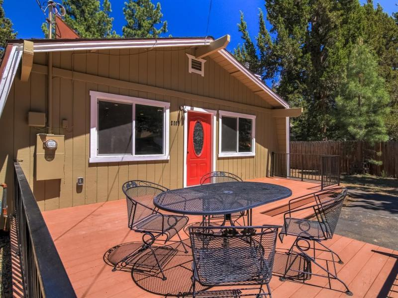 Sold 2 Beds 1 Bath Single Family in South Lake Tahoe!