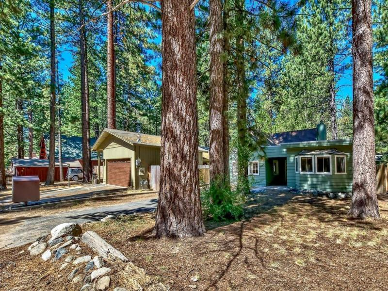 New 2 Beds 1 Bath Single Family Listing in South Lake Tahoe!